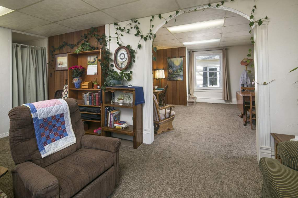 10-web-or-mls-424-7th-St-Greeley-10
