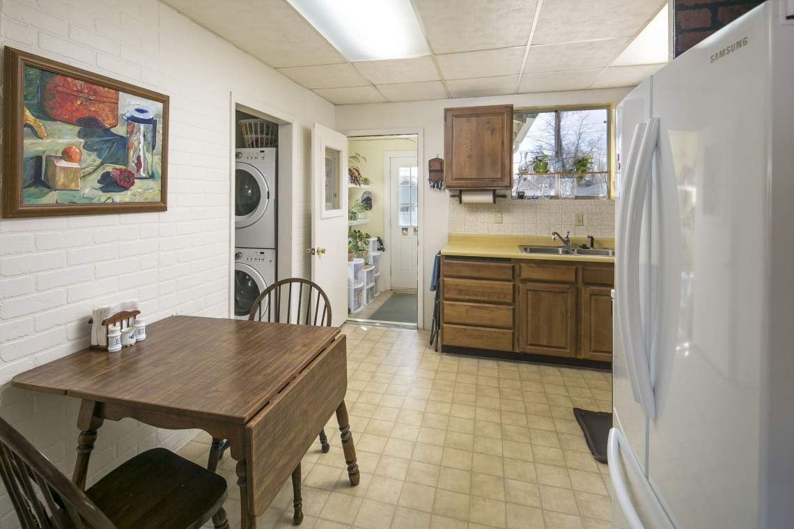 12-web-or-mls-424-7th-St-Greeley-12