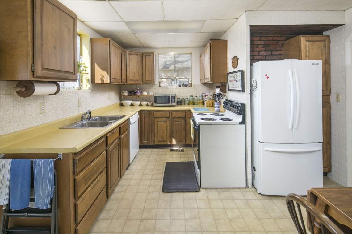13-web-or-mls-424-7th-St-Greeley-13