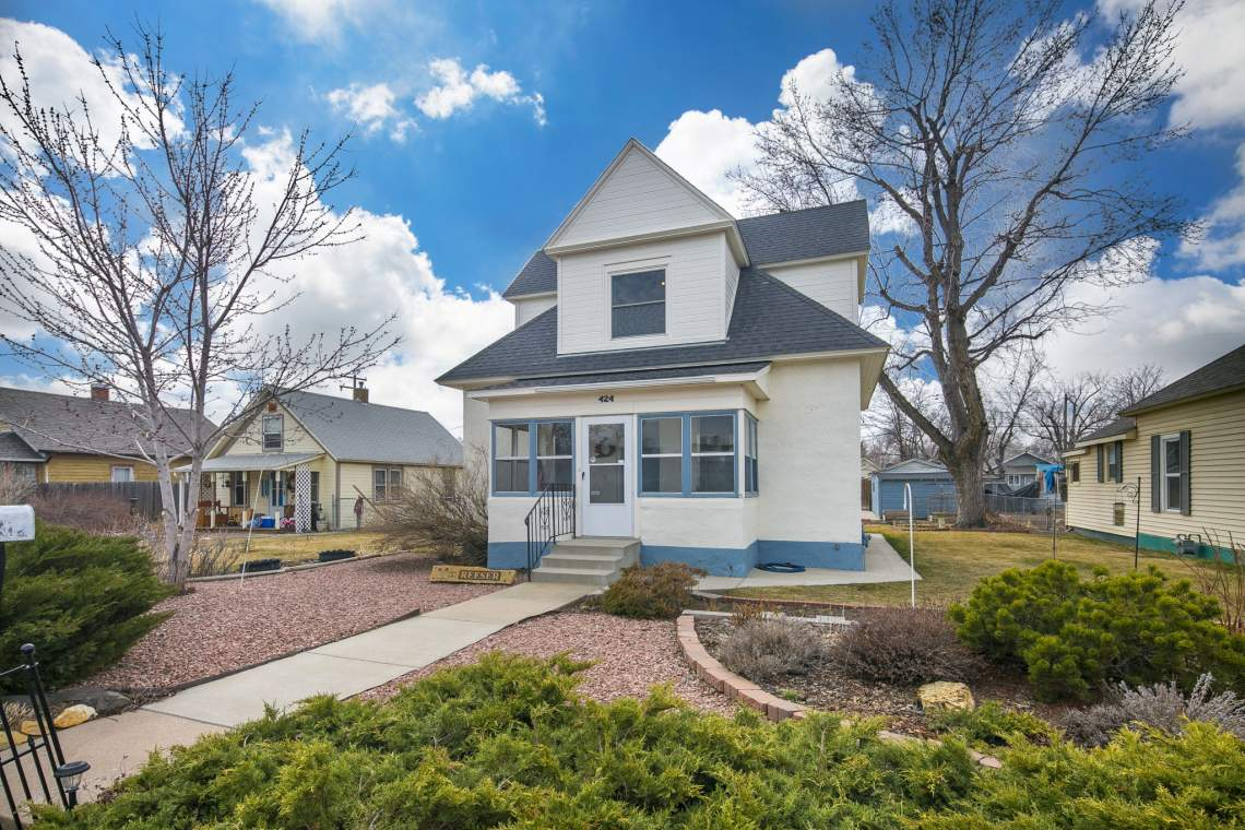 2-web-or-mls-424-7th-St-Greeley-2
