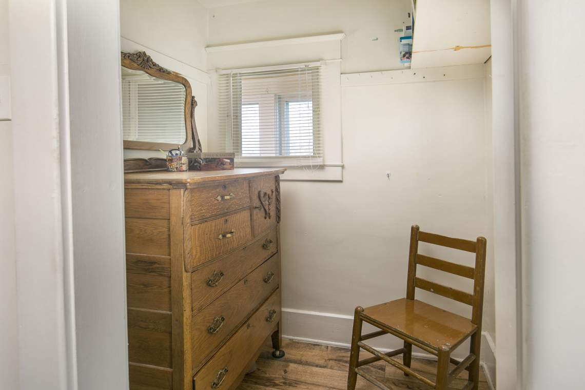 21-web-or-mls-424-7th-St-Greeley-21