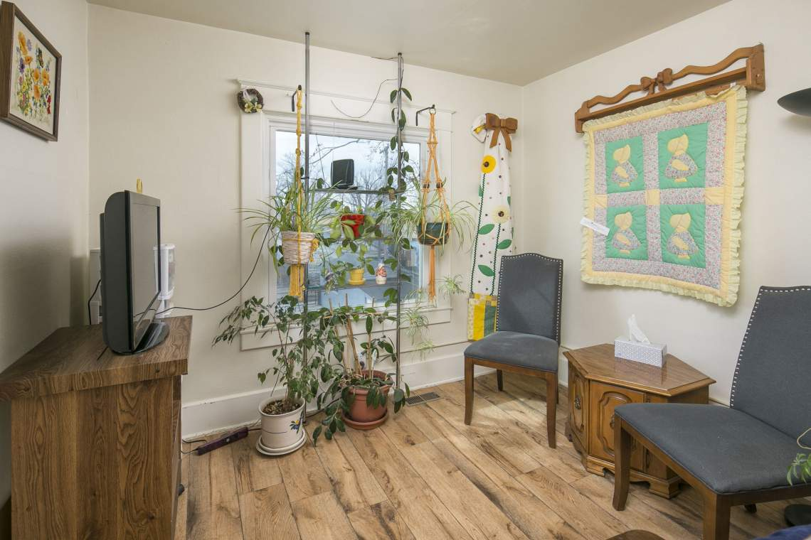 22-web-or-mls-424-7th-St-Greeley-22