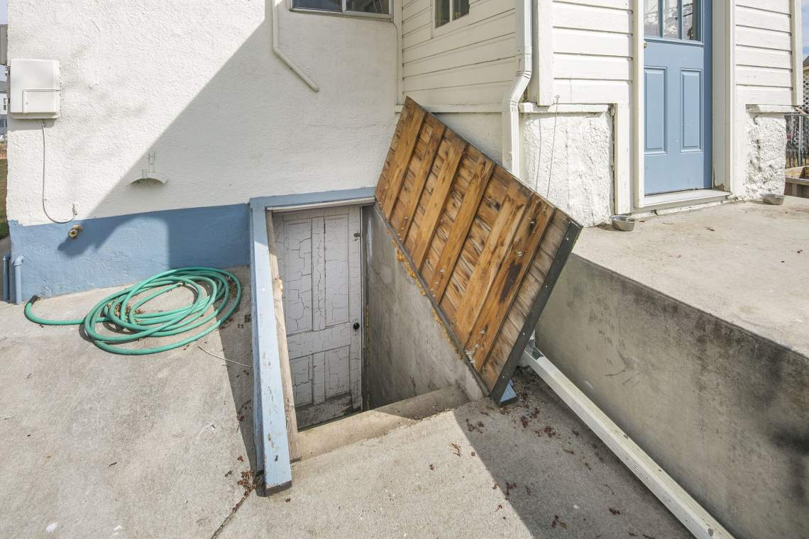 26-web-or-mls-424-7th-St-Greeley-26