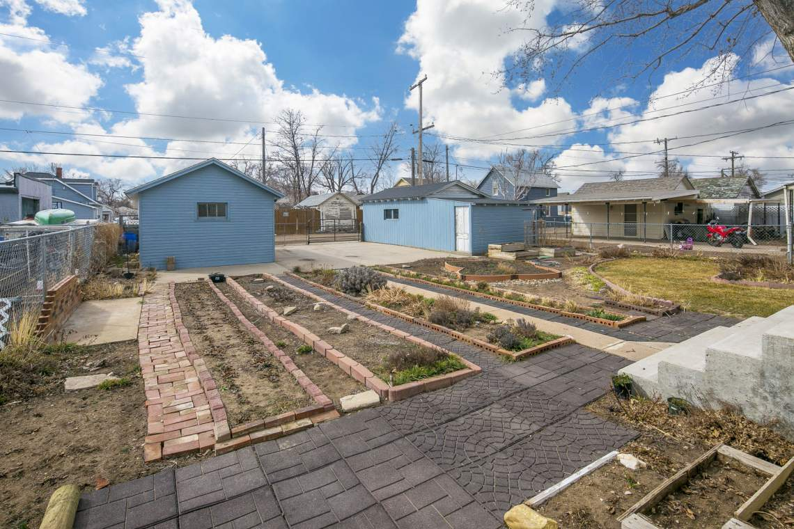 33-web-or-mls-424-7th-St-Greeley-33
