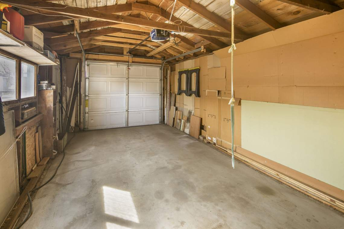 39-web-or-mls-424-7th-St-Greeley-39