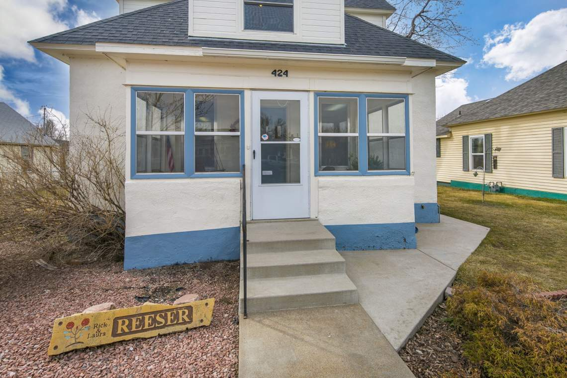 4-web-or-mls-424-7th-St-Greeley-4