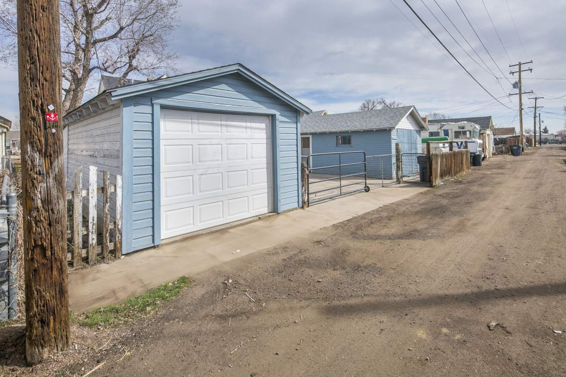 41-web-or-mls-424-7th-St-Greeley-41