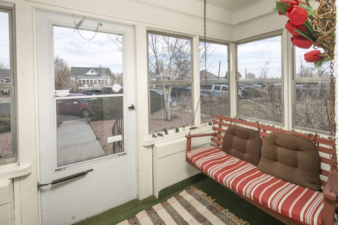 6-web-or-mls-424-7th-St-Greeley-6
