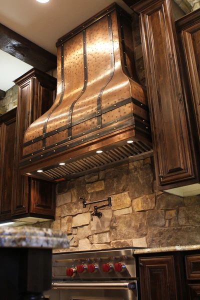 Copper hood for rustic homes